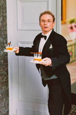 Butlerempfang und falscher Kellner bei Hochzeit und Geburtstag