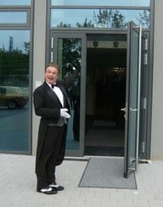 Der Spaßkellner und Butler zu Gast bei der Volksbank Ludwigsburg