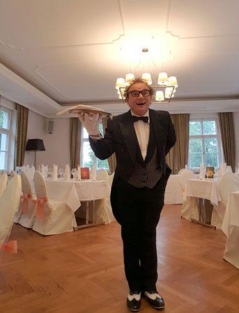 Butler Archibal ihr falscher Kellner und Spasskellner in Heilbronn