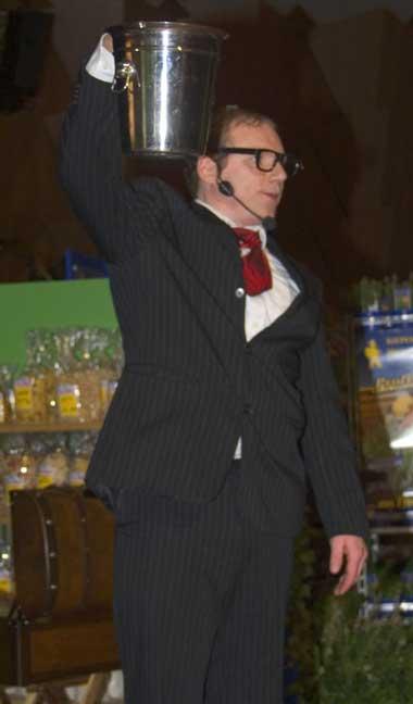 Galerie butler lustiger kellner showkellner for Butlers impressum